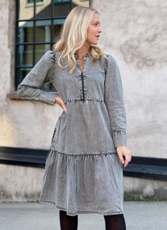 MISSMAYA Brooke Dress Ice Grey