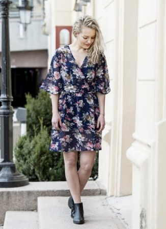 MISSMAYA Mina Short Dress Blue flower