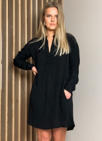 MISSMAYA Sandie Dress Jet Black