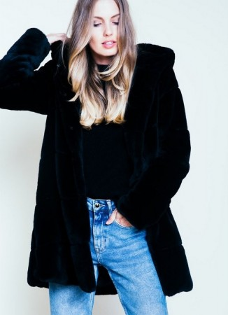 ELLE&IL Catie Fake Fur Jacket Black